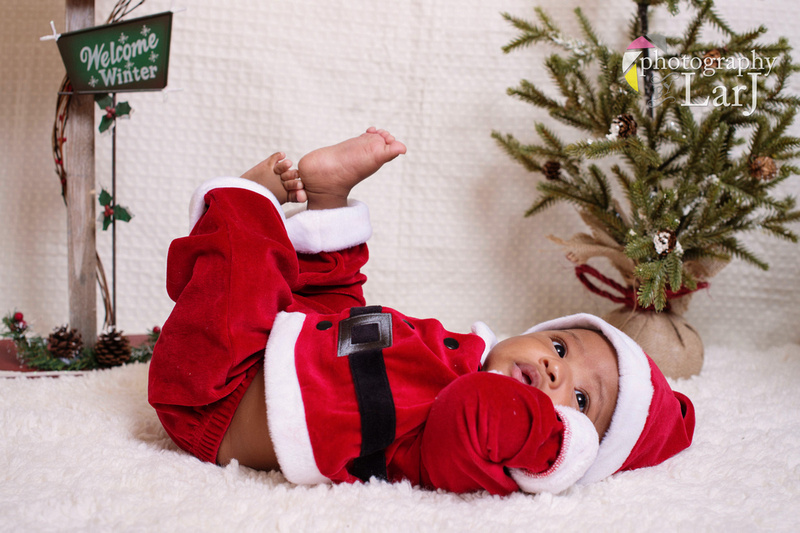 Jaden August's Christmas Mini Session